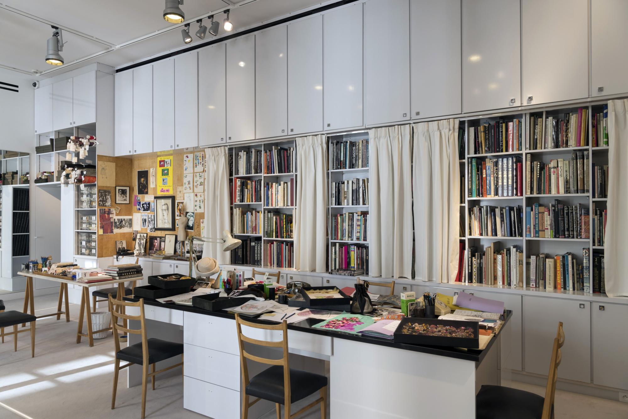 mus e yves saint laurent paris parcours inaugural mus e. Black Bedroom Furniture Sets. Home Design Ideas