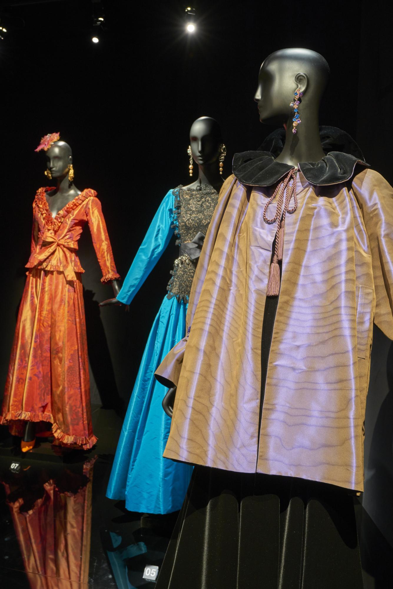 """Résultat de recherche d'images pour """"Yves Saint Laurent : Dreams of the Orient"""""""