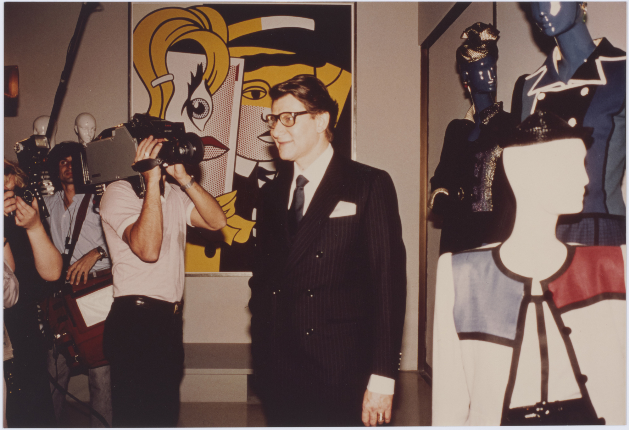 1db40b26db2 Yves Saint Laurent at the press conference for his first retrospective 25  Years of Design, Metropolitan Museum, New York, December 1983.