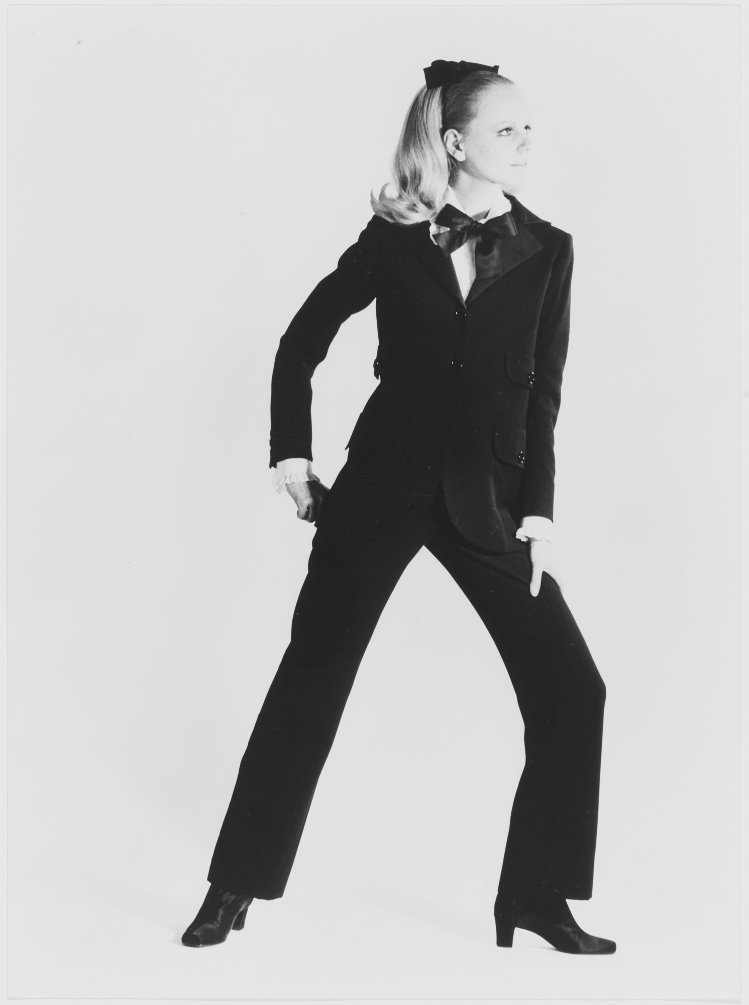 3af3f92ec14 First tuxedo, worn by Ulla. Autumn-winter 1966 haute couture collection.  Photograph by Gérard Pataa. © Musée Yves Saint Laurent Paris / Gérard Pataa  - DR