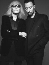 Betty Catroux et Anthony Vaccarello, 2020. Photographie de David Sims, © Courtesy of Saint Laurent