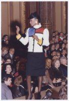 Tailleur Mondrian, collection haute couture printemps-été 1980. Hôtel Inter-Continental, 30 janvier 1980, © Yves Saint Laurent / Droits réservés
