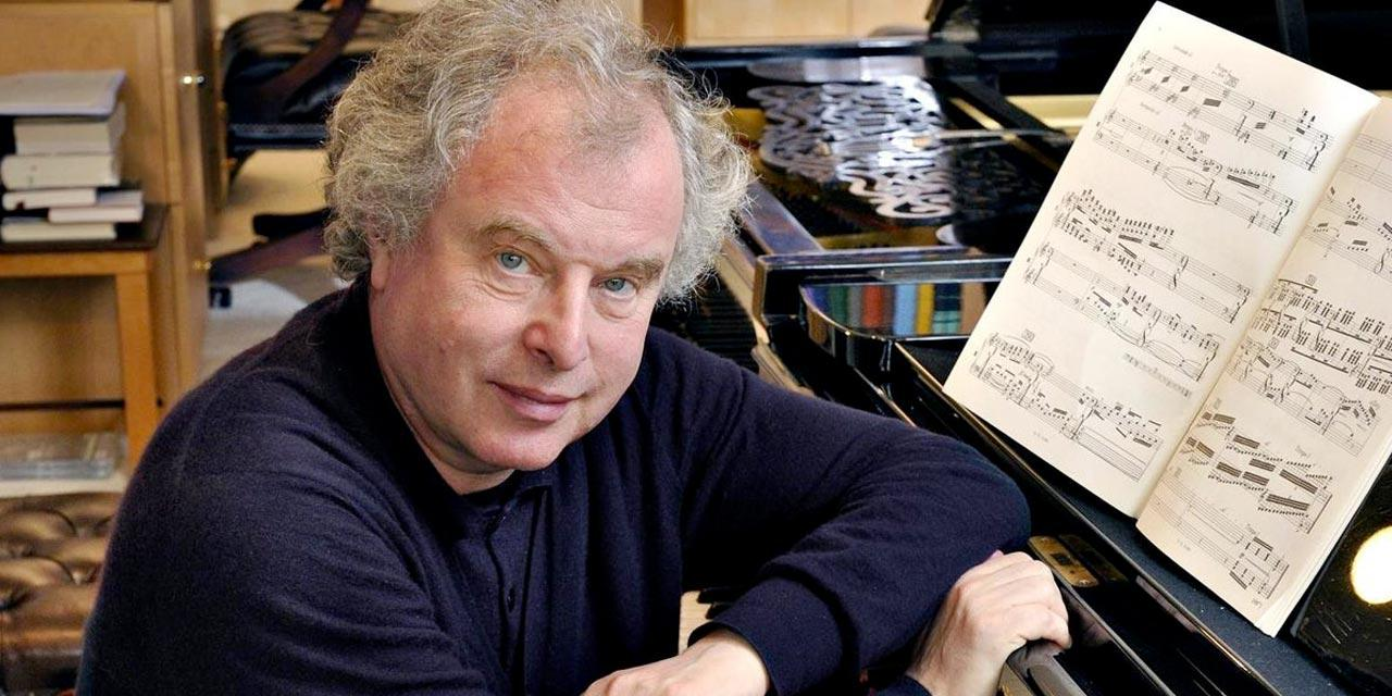 Photograph of András Schiff