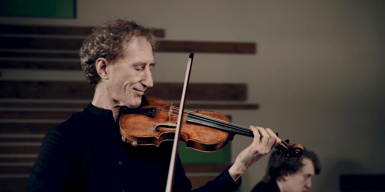 Photograph of Simon Fischer
