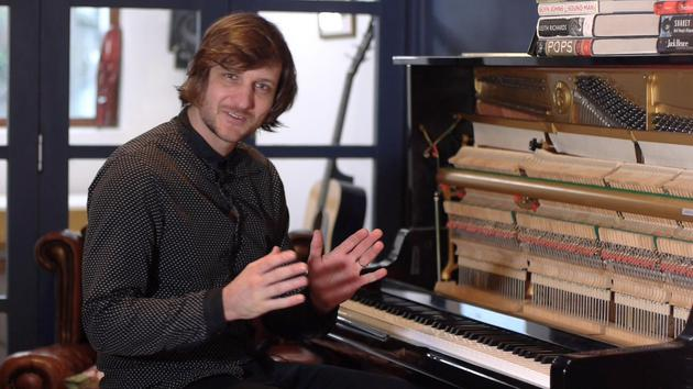 Play authentic Blues piano with Paddy Milner