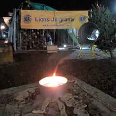Sm square 20201208 lions julgran v2