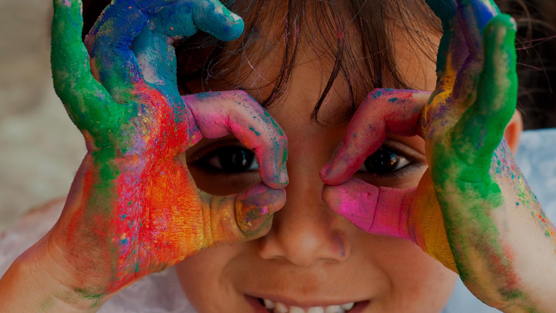 Little-girl-colour-hands