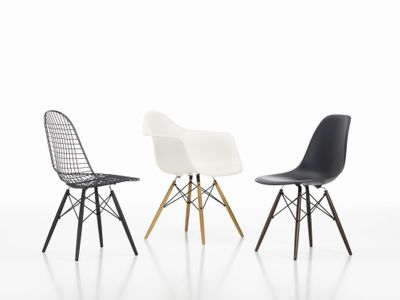 Eames plastic side chair DSW, basic sort Vitra