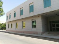 مبنى تجارى جديد للايجار بالكامل مساحته ٥٢٠٠ متر