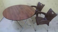 طرابيزة دائرية مع 2 كرسي