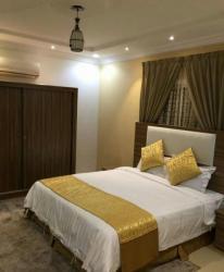 غرفة نوم مكونه من سرير2متر ودولاب 120سم و2كمدينة 2بوكس وتسريحة