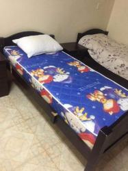 ٢ سرير خشب للبيع