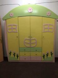 غرفة اطفال كاملة و بالمراتب للبيع