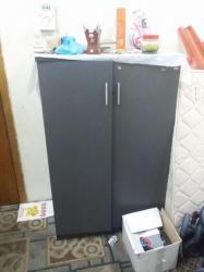 خزانة ملابس صغيره نظيف