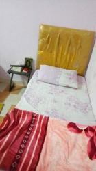 سرير أطفال بالمرتبة