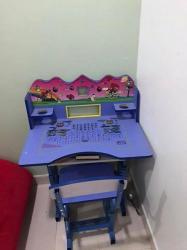 طاولة اطفال