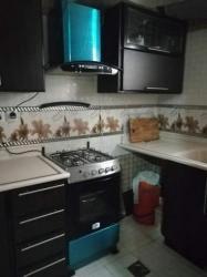مطبخ الومنيوم مع حوضين والرخام ودولاب للبيع