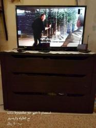 شاشه تليفزيون هيونداى ٣٢ بوصه وترابيزة وريسيفر للبيع