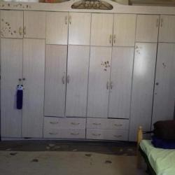 غرفة نوم متوسطة للبيع