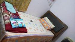 سرير اطفال كبير