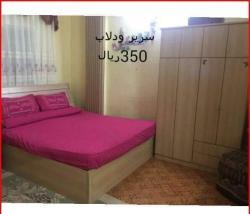 سرير ودولاب خشب ممتاز للبيع