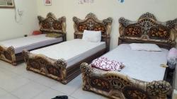 سرير خشب موديل حديث بالمرتبة للبيع