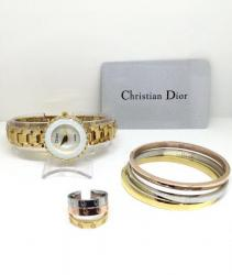 طقم Dior
