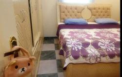 غرفة نوم وطنى كالجديدة مع مرتبة طبية للبيع