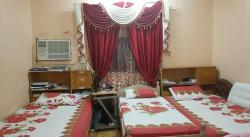 ٣ سرير للبيع مع دولاب
