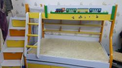 سرير اطفال دورين شكل ديكورى مميز للبيع
