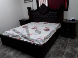 غرفة نوم كبيرة بحالة ممتازة