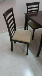 طاولة خشب + 6 كراسي