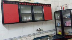 مطبخ نظيف خامة ممتازة ثلاث قطع للبيع