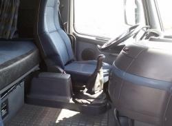 شاحنه فولفو Volvo موديل 2006 الحجم 440