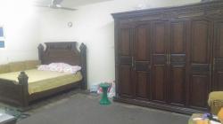 غرفة نوم خشب ممتاز للبيع
