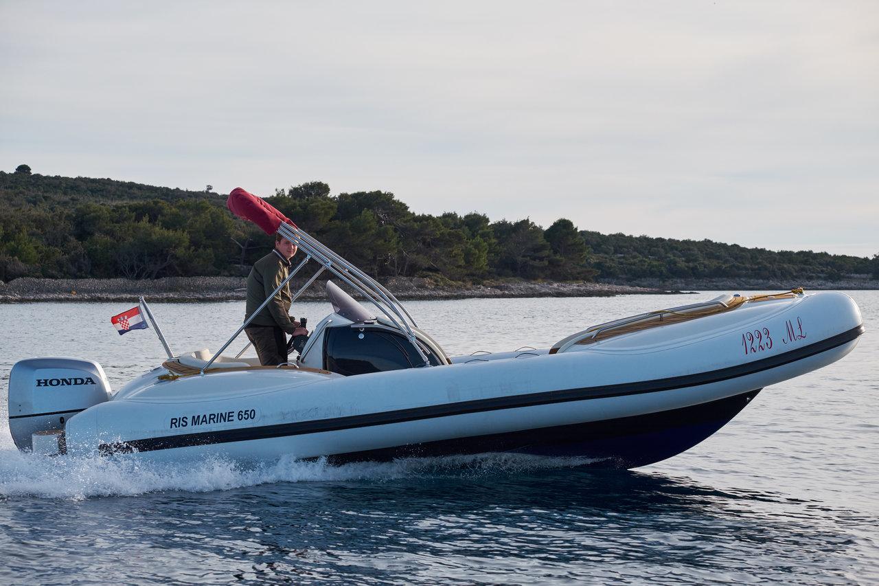 Ris Marine Exclusive 650