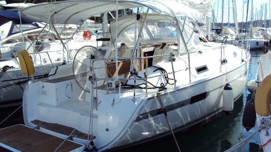 Bavaria Cruiser 36, Tamra
