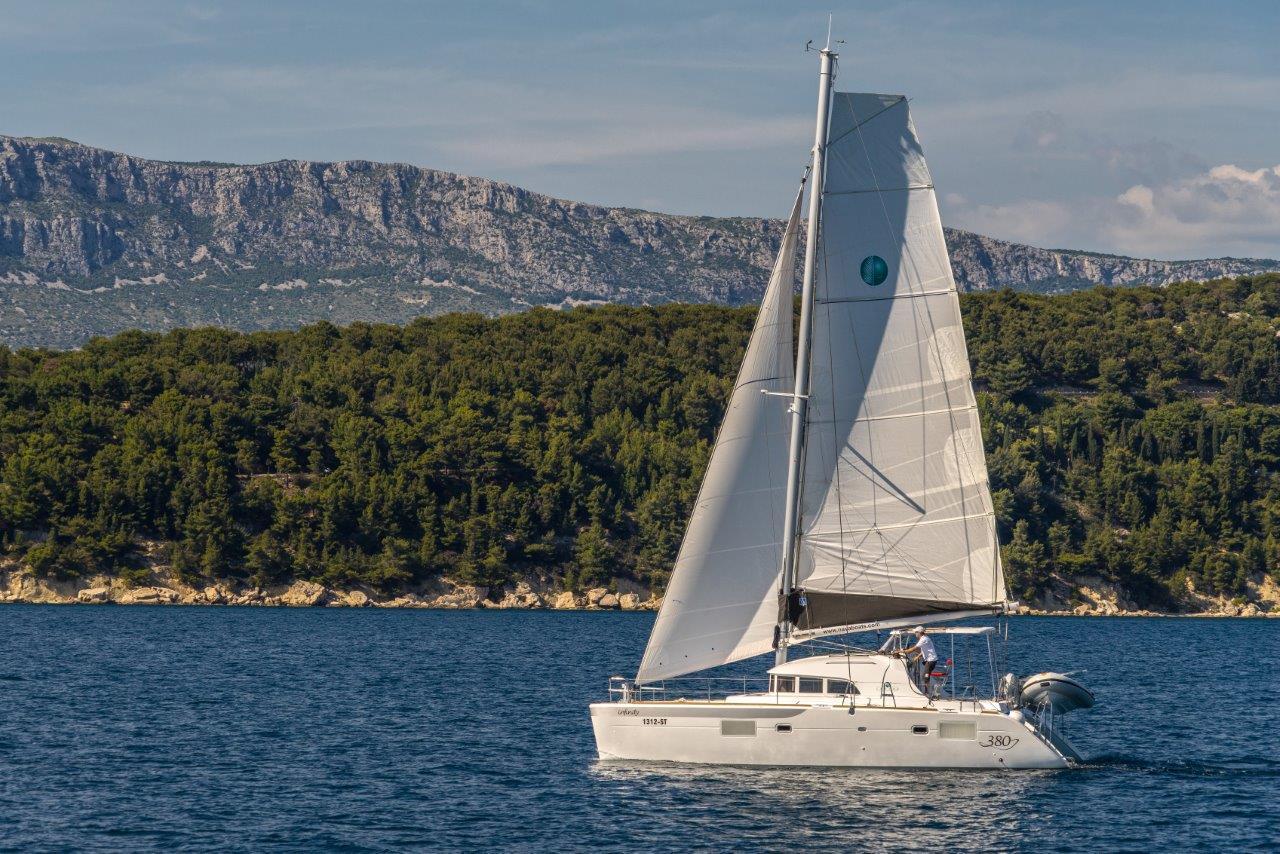 Lagoon 380 - 4 + 1 cab. - Slano, Croatia