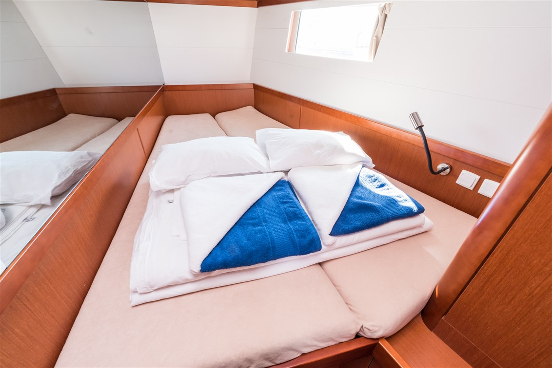 Summer Dream with AC and generator charter yacht croatia