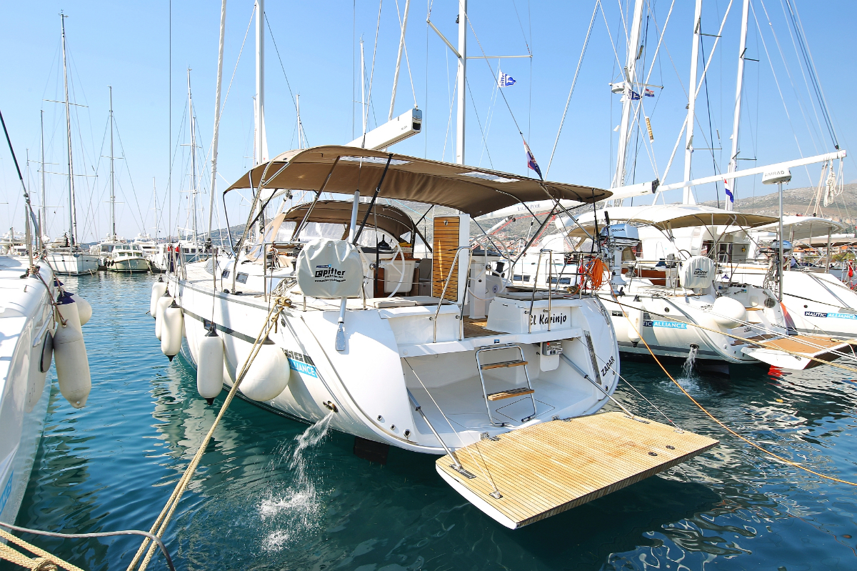 pitter yachting yachtcharter bavaria cruiser 56 5 1 cab el karinjo. Black Bedroom Furniture Sets. Home Design Ideas