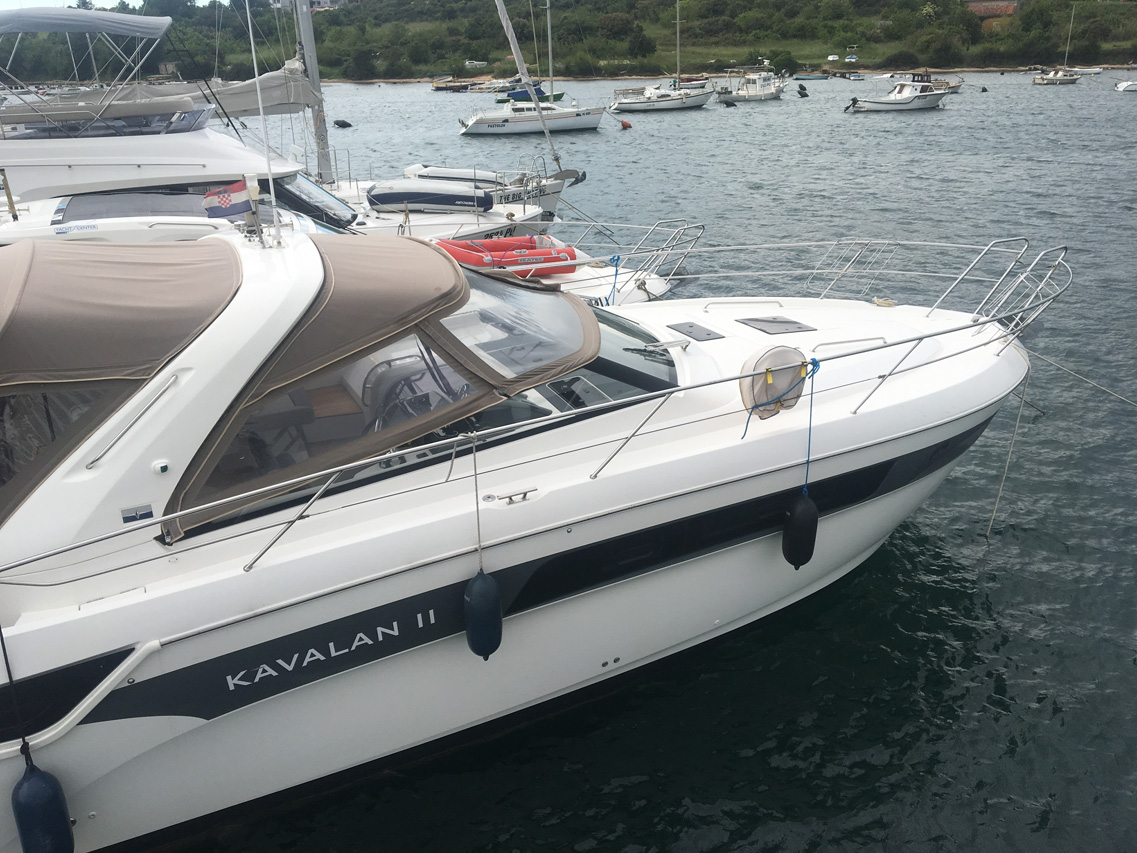 Pitter yachting yachtcharter bavaria s40 open kavalan ii - Interieur bateau de luxe ...