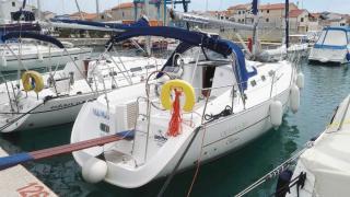 Oceanis Clipper 323 Mala Maja