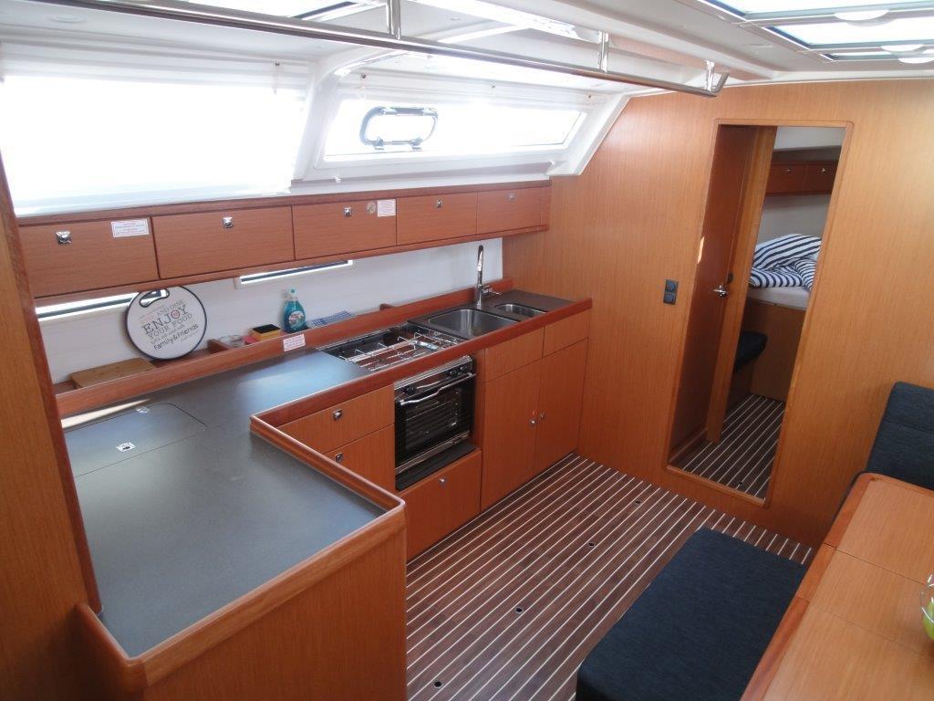 Bavaria Cruiser 46, Sara