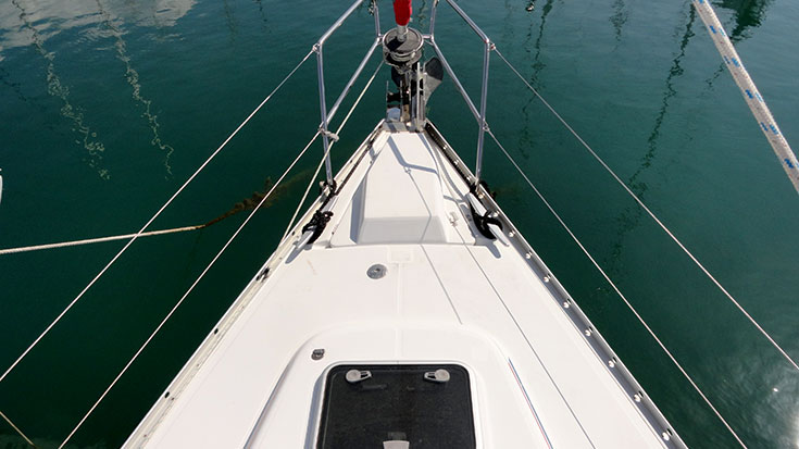 Oceanis Clipper 393, Bow Breaker