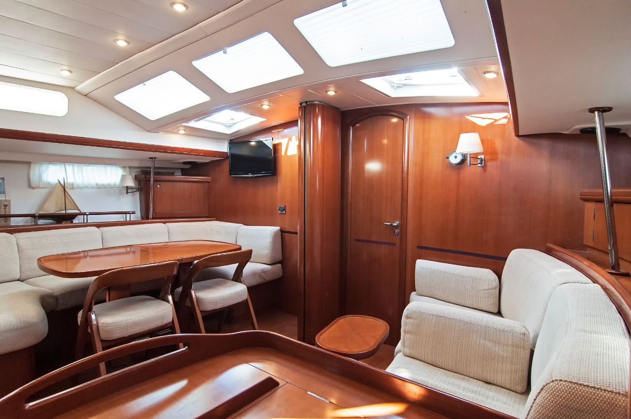 https://ws.nausys.com/CBMS-external/rest/yacht/1061727/pictures/p.jpeg