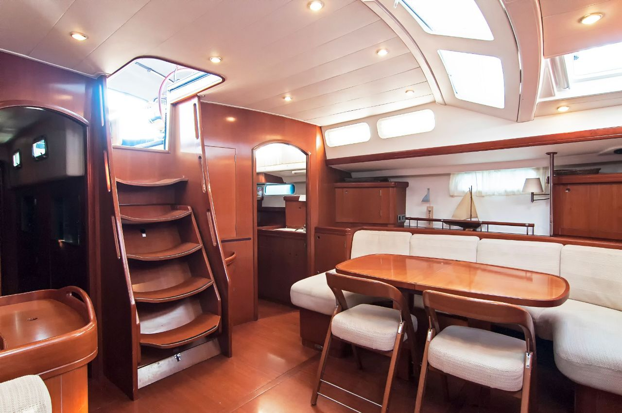 https://ws.nausys.com/rest/yacht/1061727/pictures/p1.jpeg