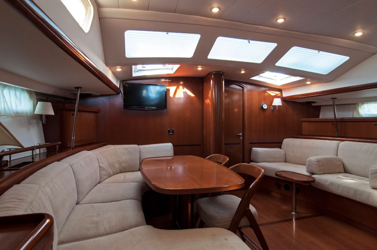 https://ws.nausys.com/CBMS-external/rest/yacht/1061727/pictures/p5.jpeg
