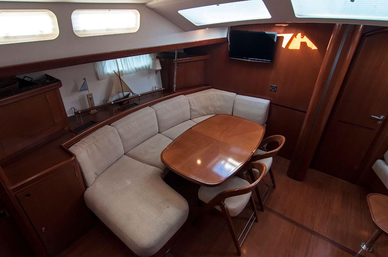 https://ws.nausys.com/rest/yacht/1061727/pictures/p6.jpeg