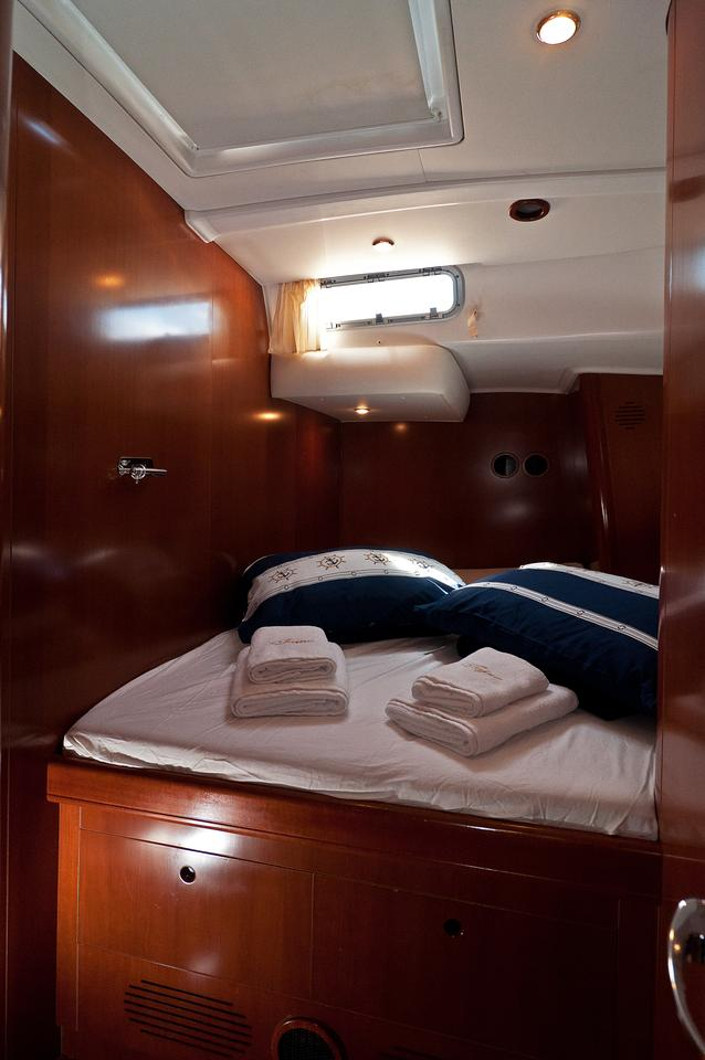 https://ws.nausys.com/rest/yacht/1061727/pictures/s2.jpg