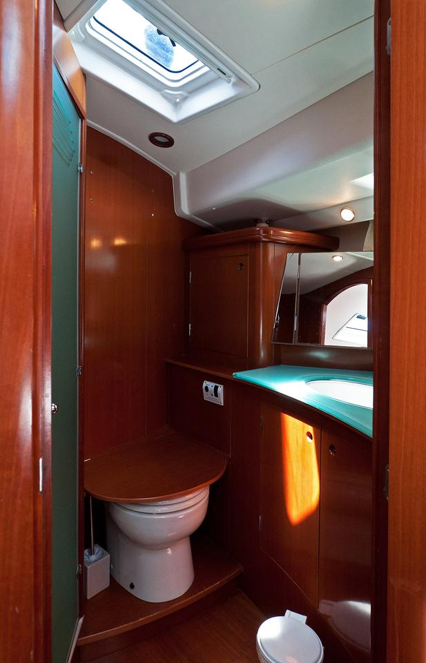 https://ws.nausys.com/CBMS-external/rest/yacht/1061727/pictures/w.jpg